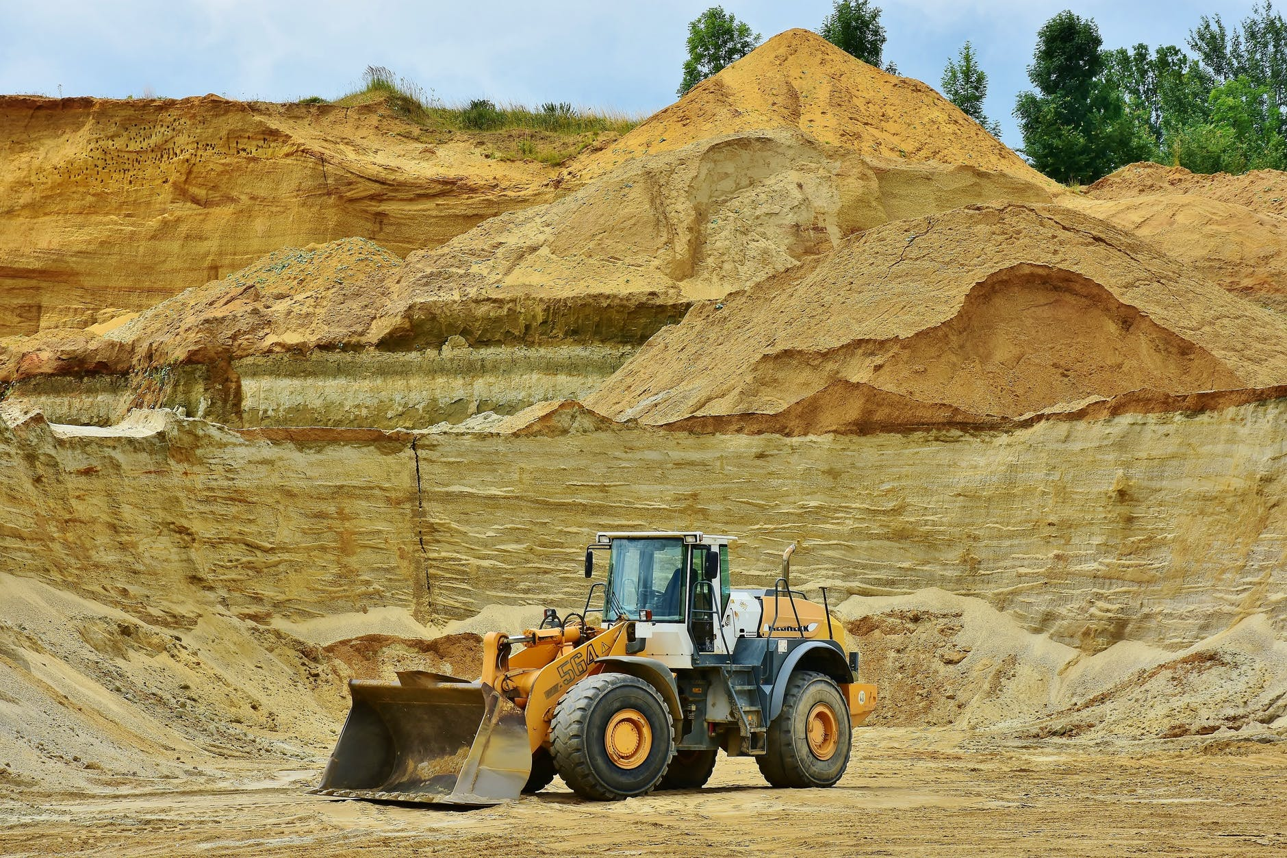 PELATIHAN SUPPLY CHAIN MANAGEMENT (SCM) FOR MINING AND OIL & GAS INDUSTRY